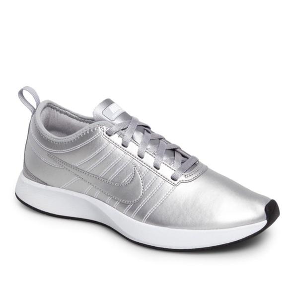 Nike Dualtone Racer Prm Sneaker Women's Sz. 8